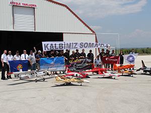 Jetfest pilotlarından Soma'da hayatını kaybedenler için saygı uçuşu