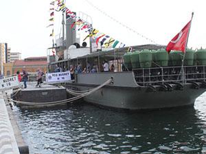 TCG Nusret gemisine ziyaretçi akını