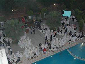 İTÜDF'li öğrenciler mezuniyet yemeğinde buluştu