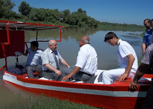 Öğrenciler diplomalarını teknede aldılar