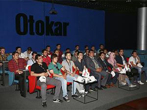 Otobüs Kaptanlığı öğrencileri Otokar fabrikasını ziyaret etti