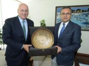 Süreyya Ciliv, Denizli Valisi'ni ziyaret etti