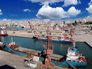 Çelebi Limanı'na her gün 12 Ro-Ro gemisi demirliyor