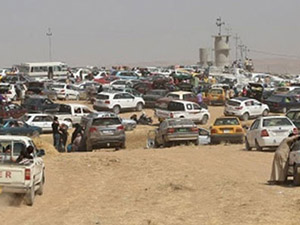Irak'ta benzin bitti, sürücüler yolu kapattı