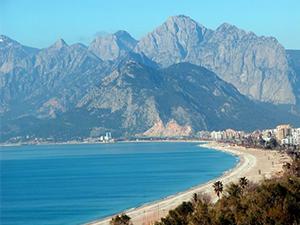 Konyaaltı Plajı ücretsiz kullanıma açıldı