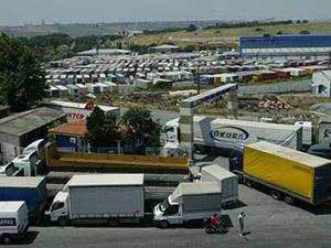 Halkalı'da nakliye şirketleri çalışanları eylem yaptı