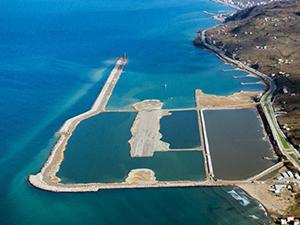 Havaalanı için 29 milyon ton taş denize döküldü