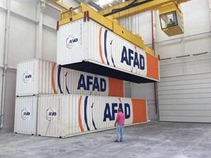 AFAD, Tekirdağ deposuna konteynerleri taşımaya başladı