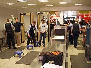 ABD'ye uçuş yapılan havaalanlarında denetimler arttırılacak