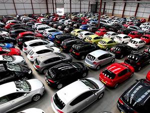 Otomobil pazarı dörtte bir oranında küçüldü