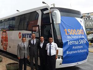 1.5 milyon km yol yapan Metro sürücüsüne ödül verildi