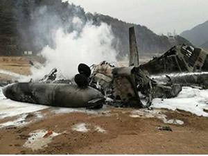 Paraşütçüleri taşıyan uçak düştü: 11 ölü