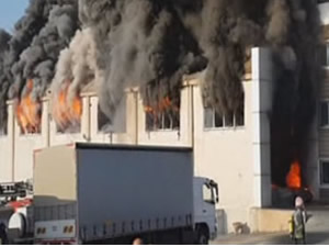 Kimyasal üretim fabrikasında yangın