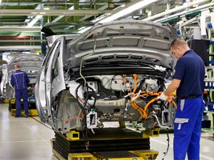 Otomotiv endüstrisi ihracatta 'lider' oldu