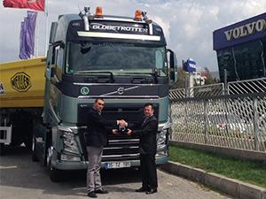 Tezcan Asfalt, filosuna ilk kez Volvo Kamyon kattı