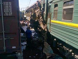 Güney Afrika'da iki tren çarpıştı: 50 yaralı