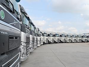 Gökdenizler Otomotiv'e 20 araçlık Volvo çekici teslimatı