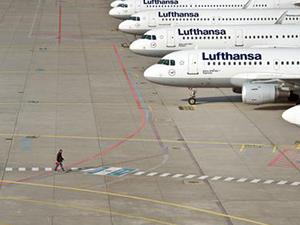 Alman pilotlar uçuşların yeniden başlatılmasına tepkili