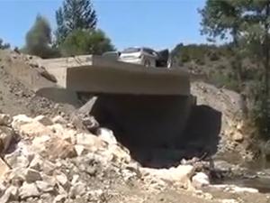 Devletin yapmadığı köprüyü köylüler yaptı