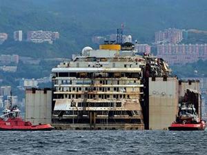 Costa Concordia son yolculuğunu gerçekleştirdi