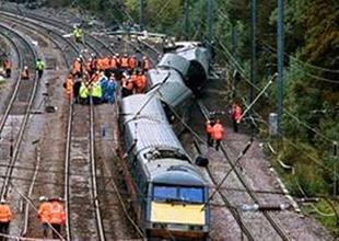 Bangladeş'te tren kazası: 11 ölü