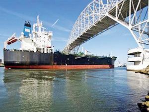 Amerika petrol piyasasına tedarikçi olarak geri dönüyor