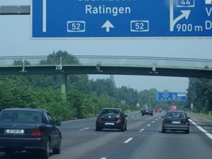 Almanlar yol vergisine karşı