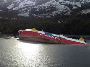 Santiago'da Ro-Ro gemisi  battı
