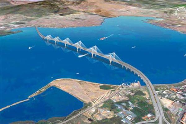 İzmit Körfez Köprüsü hızla yükseliyor