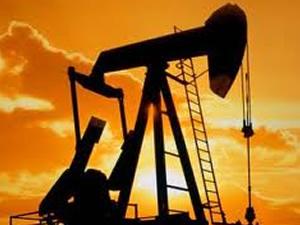 WTI petrol, 'stok verisi' öncesinde 7 ayın düşüğünde