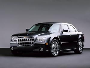 Chrysler, binlerce aracını geri çağırdı !