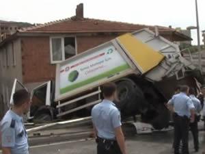 İstanbul'da çöp kamyonu dehşeti