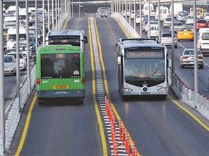 İstanbul'da ek metrobüs seferleri başladı
