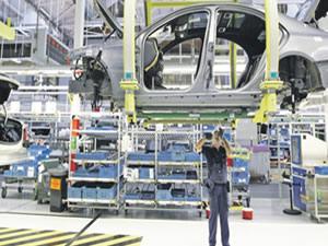 Otomotiv'de üretimin azalması sonucu pazar yüzde 21 daraldı