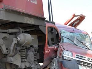 Manisa'da tren faciası : 3 ölü