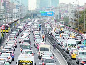 İstanbullular ! Akşam trafiğine dikkat !