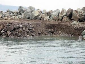 Arsin balıkçı limanına toprak dolgusu tehlike oluşturur  mu ?
