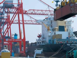 Mersin Limanı'nda Kırmızı Hat şoku
