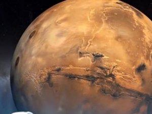Kuyruklu Yıldız, Mars'ı geçecek!