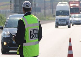 100 bin sürücünün ehliyetine el konuldu