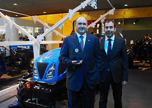 TürkTraktör 'Yılın Traktörü' ödülünü aldı