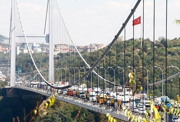 Köprü ve otoyol özelleştirmesi 2015'in ilk çeyreğinde