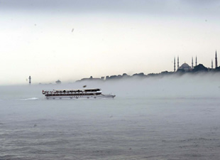 İstanbul Boğazı Gemi Trafiğine Açılıyor