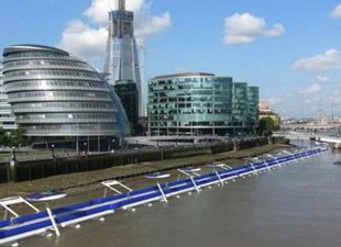 Londra'da yüzen bisiklet yolu