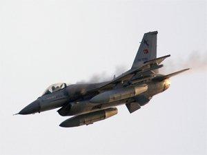 Türk jetleri tacize karşılık verdi