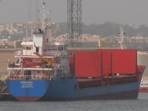 Gemisini terketmeyen kaptan öldü, ikinci kaptan kayıp