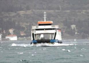 Poyraz nedeniyle feribot seferleri iki gün iptal edildi