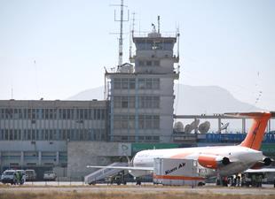 Karzai Havalimanı'nın kontrolü Türk askerinde
