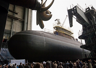 """Rostov-na-Donu"" adlı denizaltısı Rus Donanması'na teslim edildi"