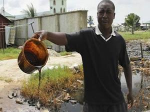 Shell, Nijerya'da petrol sızıntısı davasında uzlaşmaya gitti